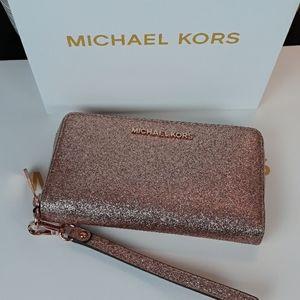 🆕️🎁NWT Michael Kors Rose Gold Wallet/Wristl